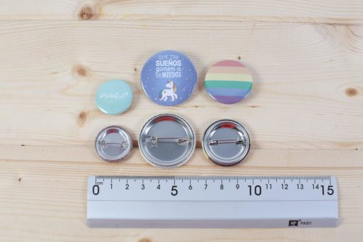 chapas-alfiler-lgtb-gay-sueno-1